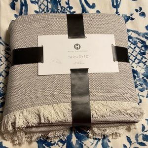 Hotel collection throw.